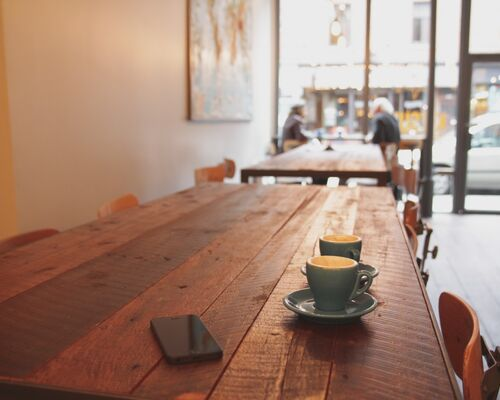 cafe_coffee_shop_coffee_iphone_table-39